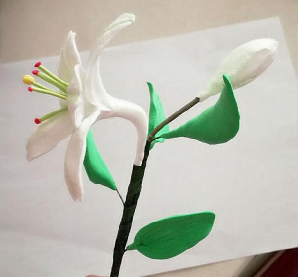 用超轻粘土制作百合花超级好看的做法